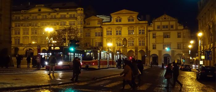 Prague la nuit tomb e note au voyageur - Office de tourisme prague ...